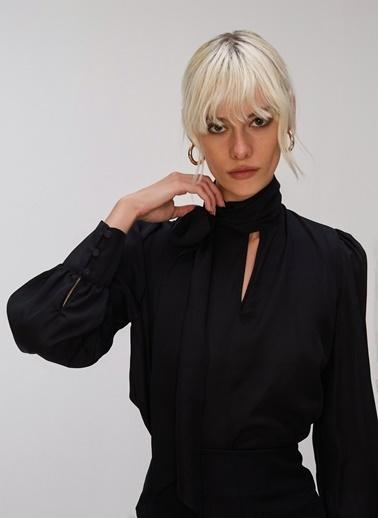 People By Fabrika Bağlama Detaylı Bluz Siyah